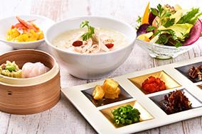 鎌倉横浜野菜のヘルシーサラダとグラノーラのイメージ写真